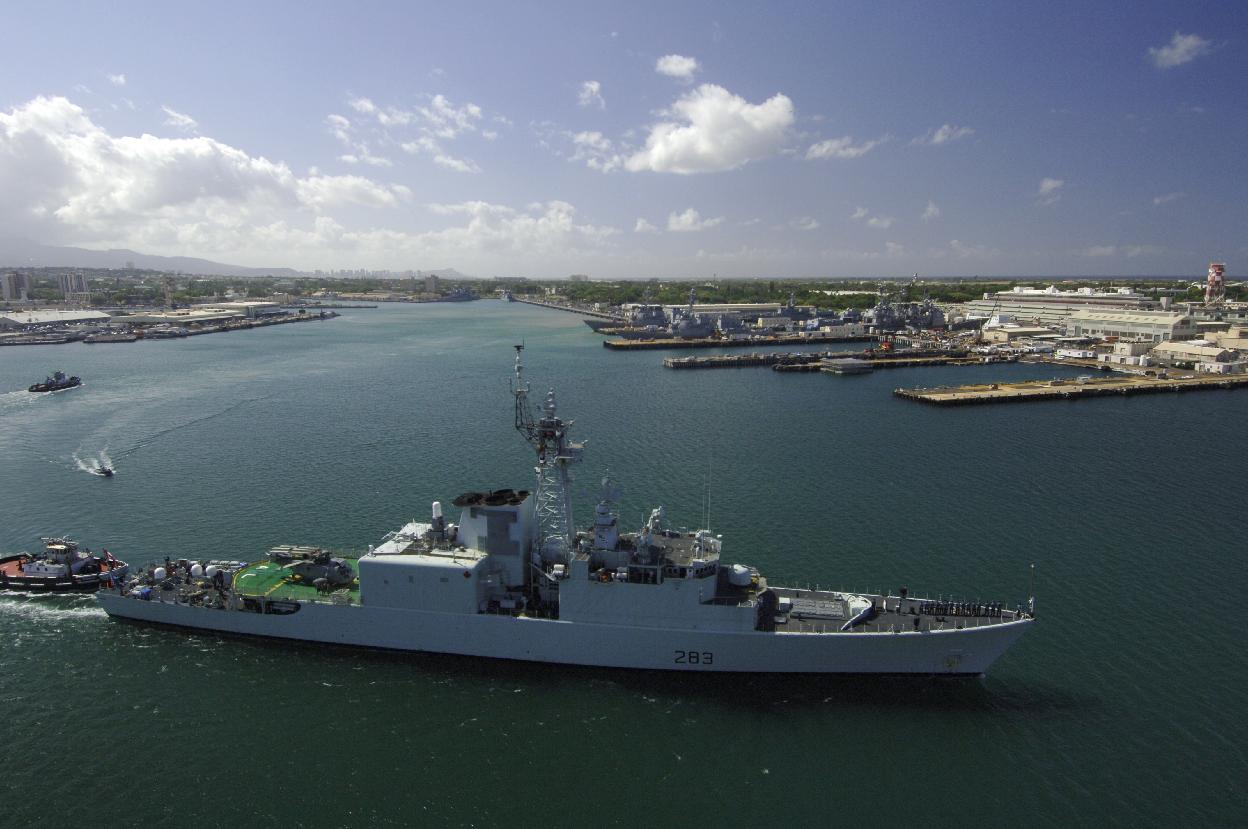 Diapositive - HMCS Algonquin departs from Pearl Harbor to participate in exercise Rim of the Pacific (RIMPAC) 2006.