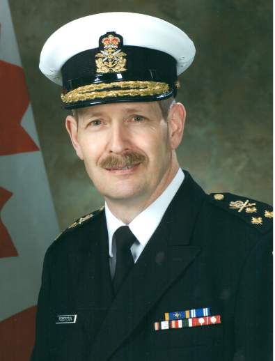 Vice-amiral Drew William ROBERTSON, CMM, MSM, CD