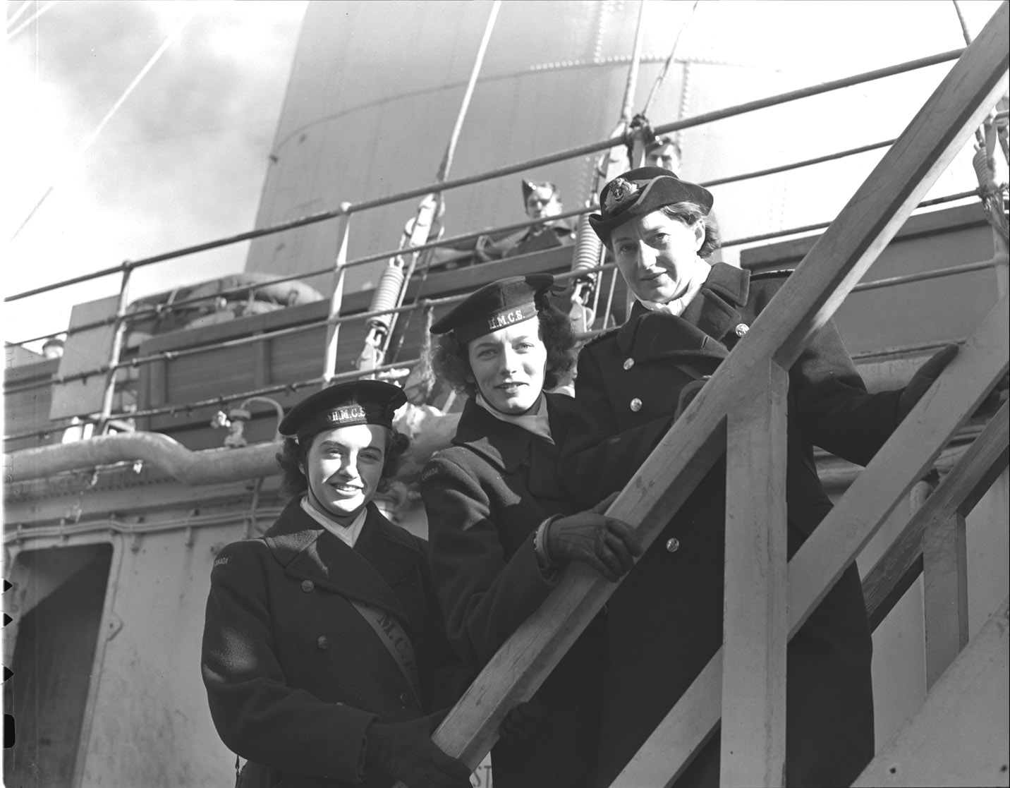 Slide - LCdr Isabel Macneill and two WRENs