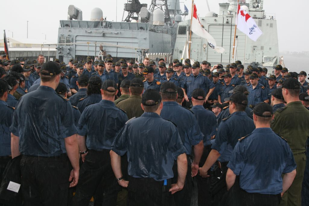 Cdr Jeff Murray, Commanding Officer of HMCS Fredericton, addresses the ship�s company.