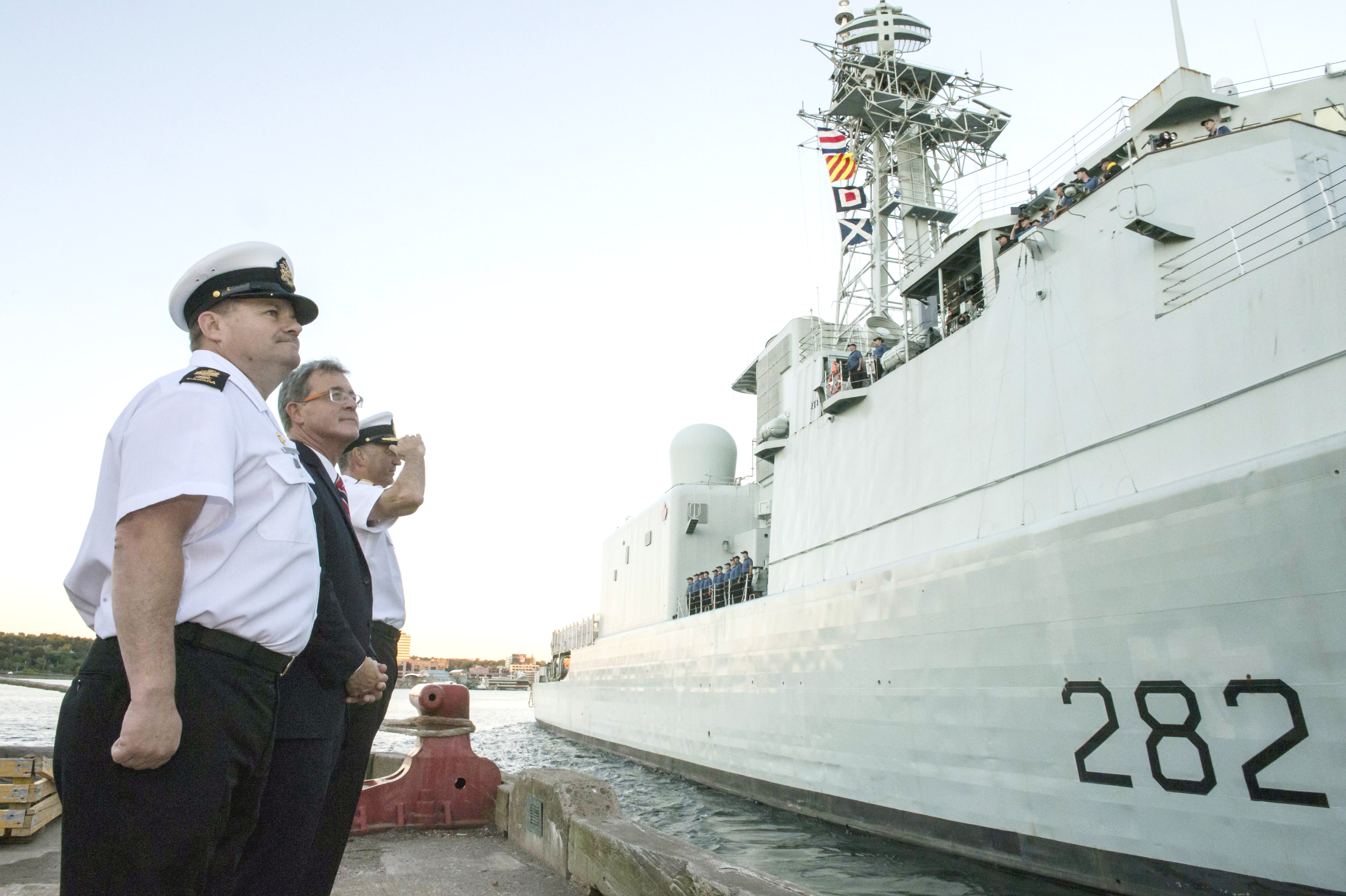 HMCS Athabaskan departs for Operation Caribbe