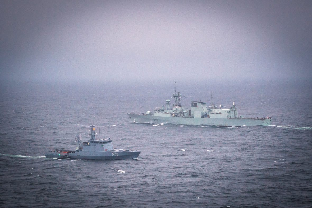 Royal Canadian Navy News And Operations Article View Selis Youth Hmcs St Johns Participates In A Passex