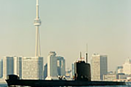 HMCS Okanagan with the CN Tower in the background when the submarine toured the Great Lakes in November 1990.