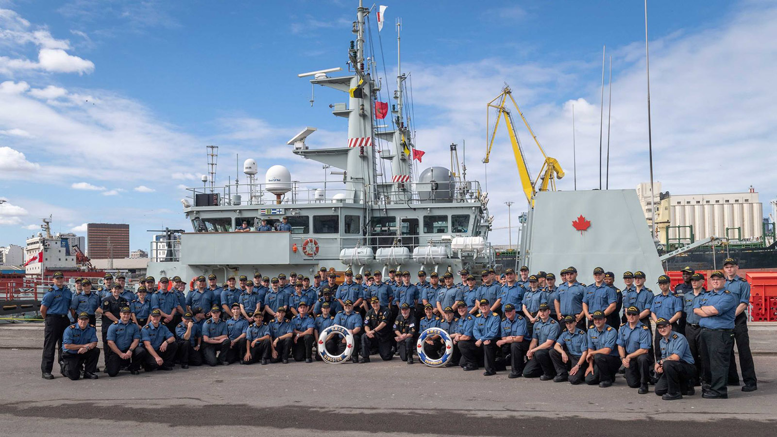 Crews from HMC Ships Shawinigan and Kingston