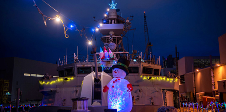 Slide - HMCS Fredericton's Festive Lighting 2020